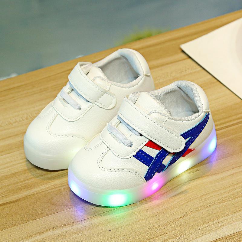 Dengan lampu 1-3 tahun Musim Semi dan Musim Gugur Sepatu bayi bayi sepatu  belajar jalan Pijakan empuk sepatu olahraga sepatu kasual sepatu putih  kecil Pria ... 68766c4c0f