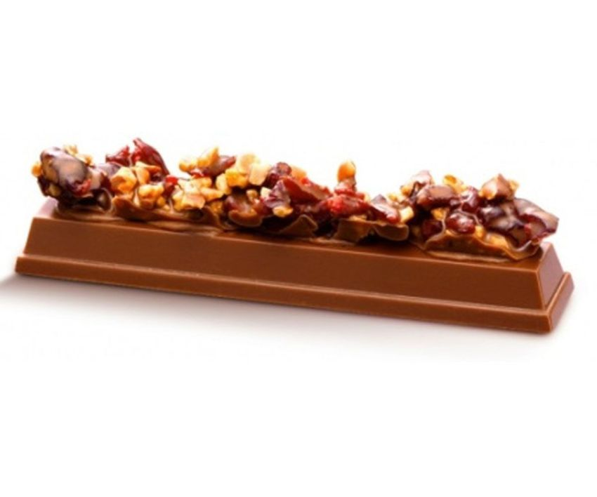 Kitkat Chocolatory Moleson With Rich Cranberry Almond
