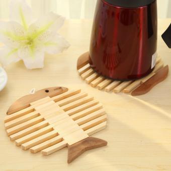 Wooden Placemat Insulation Mat Round Fashion Cartoon Kitchen Accessory Fish - intl