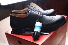 Boston Valencia Sepatu Pria Wingtips Kulit Kambing, (+ Bonus: Wax Shoelace & Shoehorn)