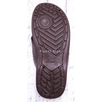 Bata Sandal Pria Karet Keren Coklat Tua 872-4018