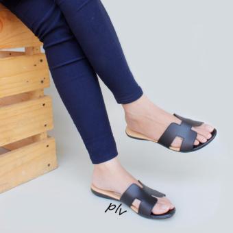 Sandal Wanita Flat HM - Hitam