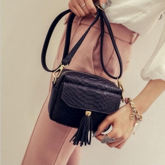 Simple Alligator Crocodile Black Leather Mini Small Women Crossbody Bag Tassel Fringed Messenger Shoulder Bag Sling Purse Handbag
