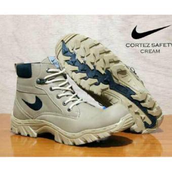 Harga Sepatu Safety Boots Pria   Wanita Sepatu Gunung Elda Cortez ... 29ed8b4e05