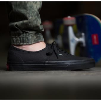 Sepatu Sneakers Vens Authentic Pro Skate - Full Black