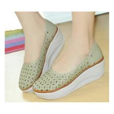 Sepatu Wanita Laser Wedges S54