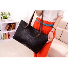 Shoulder Bag Motif Ukir - Hitam