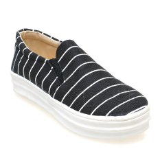 Zada Slip On Stripes - Hitam