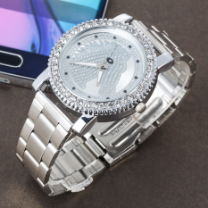 2016 Brand New Ladies Luxury Diamond Fashion Horse Quartz Watch Sliver (Intl)