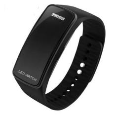 2016 New Fashion Square Dial LED Bracelet Digital Watches For Men&Ladies&Child Clock Womens Wrist Watch Sports Wristwatch Saat (Black)