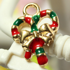 5pcs Gold Enamel Christmas Xmas Gifts Snowflake Charm Pendants Jewelry Findings Bow Candy - Intl