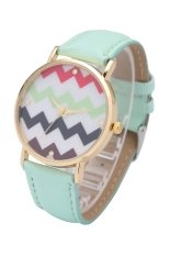 Fashion World New Wave Pattern Gold Frame Girl Leather Strap Watch (Green)