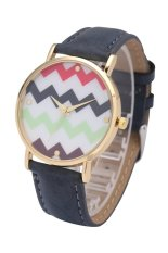 Fashion World New Wave Pattern Gold Frame Girl Leather Strap Watch (Black)