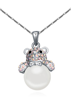 Rare Love Crystal Aux Pearl Bear Pendant Necklace