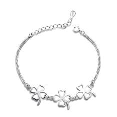 Silver Four Leaf Clover Pendant Girls Women Pendant Bracelet - Intl