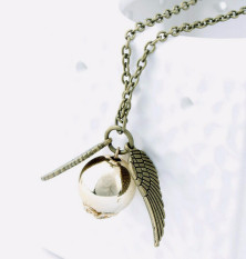 The 2016 Harry Potter And The Deathly Hallows Necklace Gold Snitch Exquisite Bal
