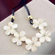Women Jewelry Crystal Flower Pendant Choker Chunky Statement Bib Charm Necklace (Intl)
