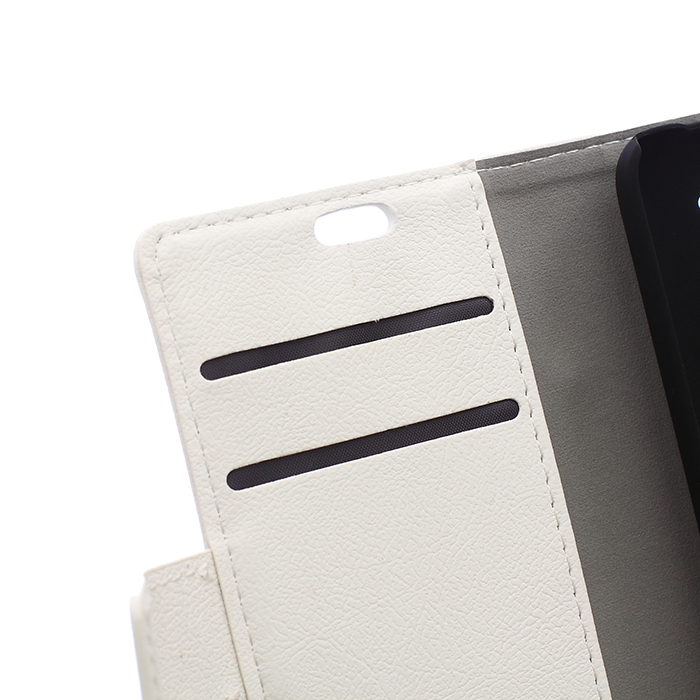 Cass Leather Flip Cover with Card Slot for HTC Desire 320 (White) (Intl)