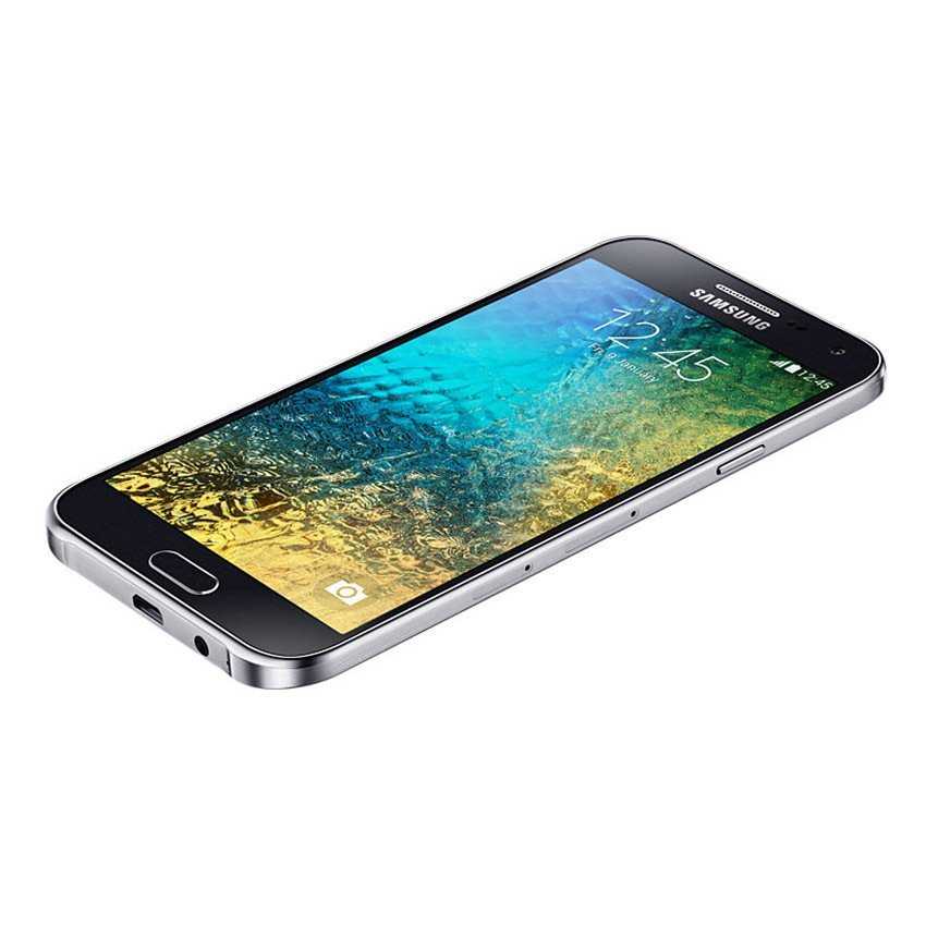 Samsung Galaxy E5 - 16 GB - Hitam