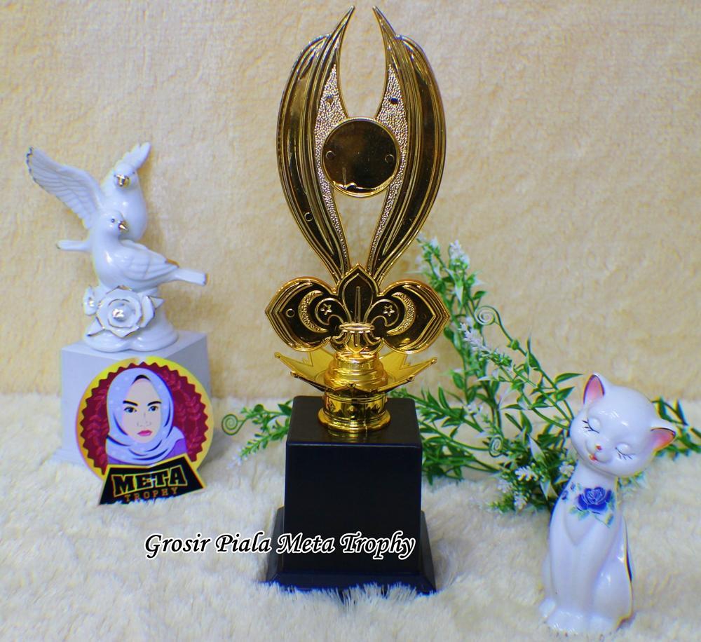 Piala Set 123 Bintang Lomba Futsal MTQ Pramuka Futsal Sepak Bola Kejuaraan Badminton Tenis Tari Trophy