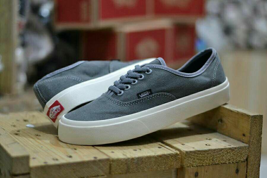 PROMO MURAH!!! Sepatu Casual Sneakers Pria Vans Authentic Mono Waffle Icc Abu-Abu Grey