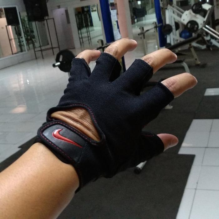 HARGA DISKON!!! Nike Gym Fitness Glove Gloves Sarung Tangan Men Women BNIB - 5yeaxe