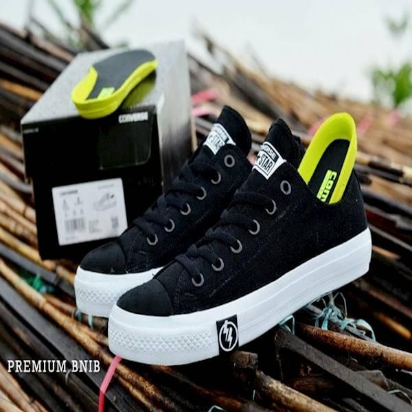 Sepatu Converse Chuck Taylor Low Premium Bnib