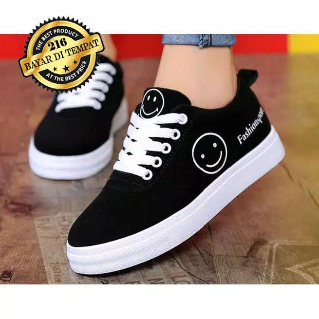 216collection Sepatu Kets Wanita Motif SMILE Full Hitam   Kets Sneaker  Casual Lucu   Sepatu Wanita 880be16a45
