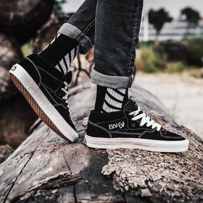 TERLARIS Vans Half Cab High Skate Black White Premium Original / sneakers PROMO