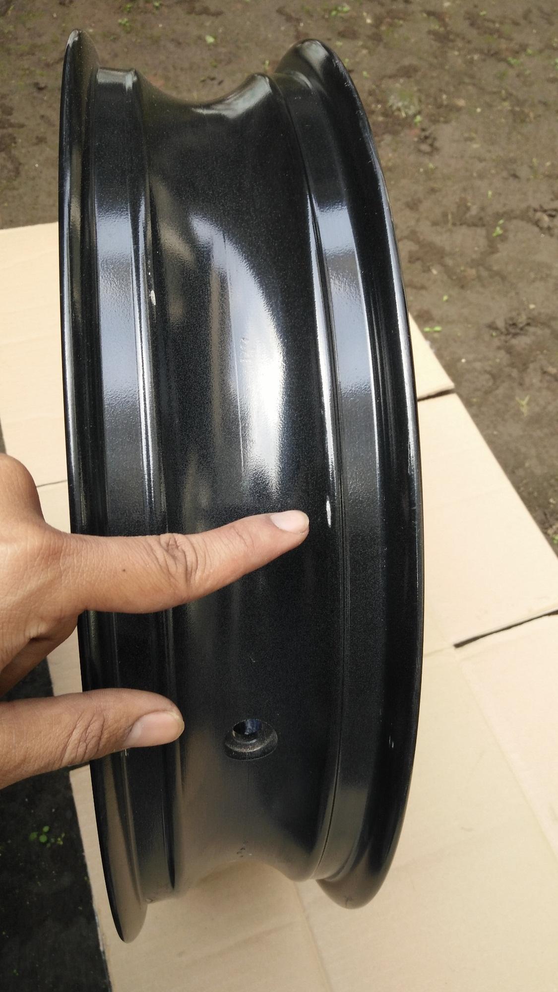 original rear Cast wheel / castwheel / Pelek / Velg Racing Belakang Genuine Part Yamaha YZF R15 Original Lelangan Pabrik