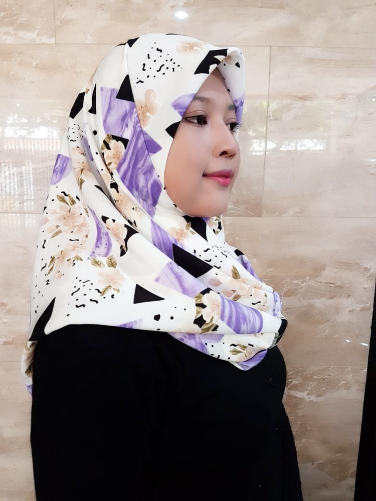 kerudung hijab jilbab segiempat motif