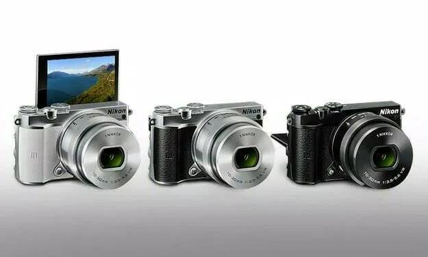 Nikon 1 J5 Kit 10-30mm Kamera Mirrorless [20.8 MP]