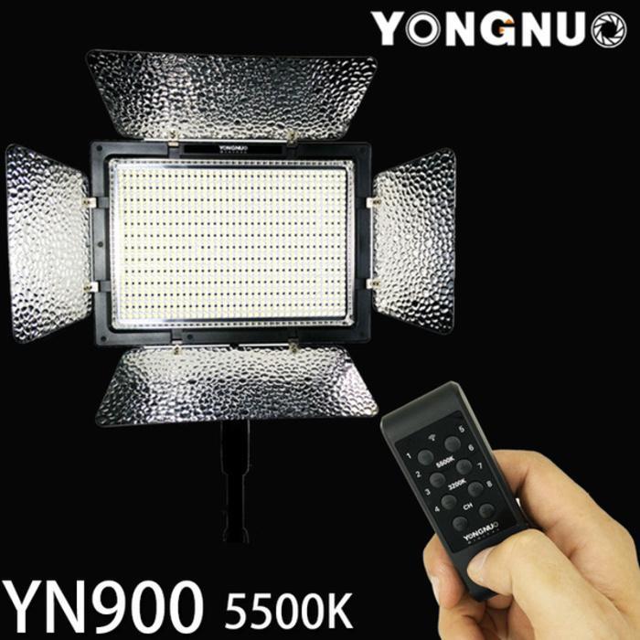 Yongnuo YN900 Pro LED Video Light - With Barndoor