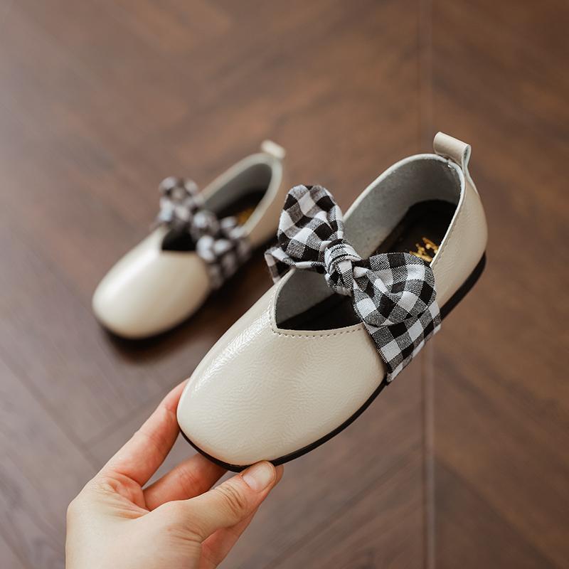 Sepatu Kulit Korea Fashion Style Musim Semi dan Musim Gugur Sepatu Dasi Kupu-kupu Tutupan Kaki