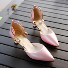 Jaringan Sandal summer wanita musim panas bagian depan tajam Hak Tipis Medium Heel Sepatu seksi mulut