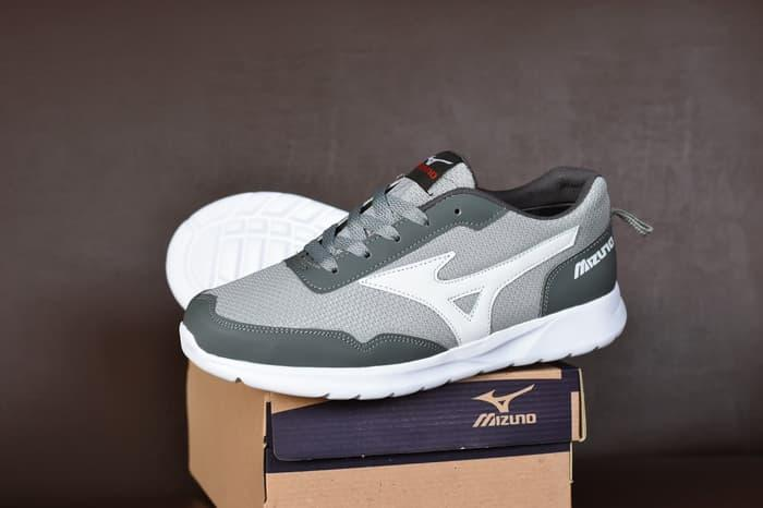 HOT PROMO!!! - Sepatu Sport Mizuno Abu Abu - Running Olahraga Casual Pria Surabaya