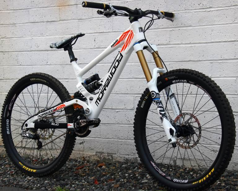 WA 082195319311  Downhill bike from Polygon to be brought to the US, Canada and Europe