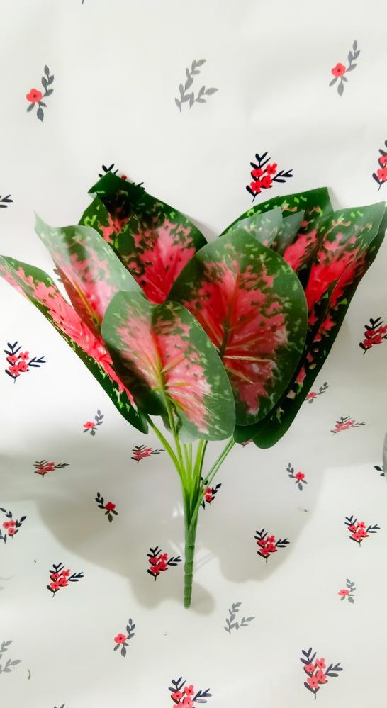 srigading merah / daun palsu / tanaman artificial / dekorasi