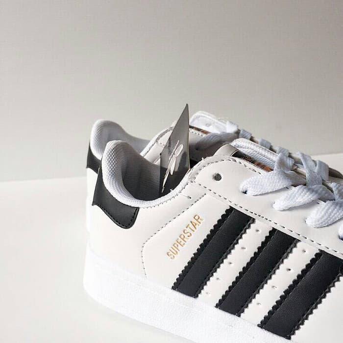 Sepatu Adidas Superstar Ftwr White Black Gold   Sepatu Wanita   Sepatu  Cewek   Sepatu Keren 7d6cb54bf6