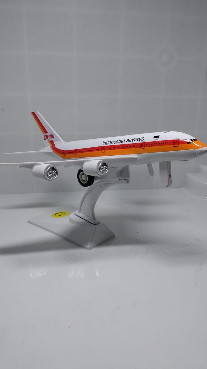 Diecast Miniatur  Pesawat Garuda Indonesia Airways