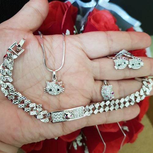 set kitty dewasa cantik xuping gold silver