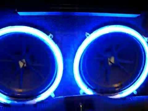 Neon Ring subwoofer mengikuti irama musik 10 inc