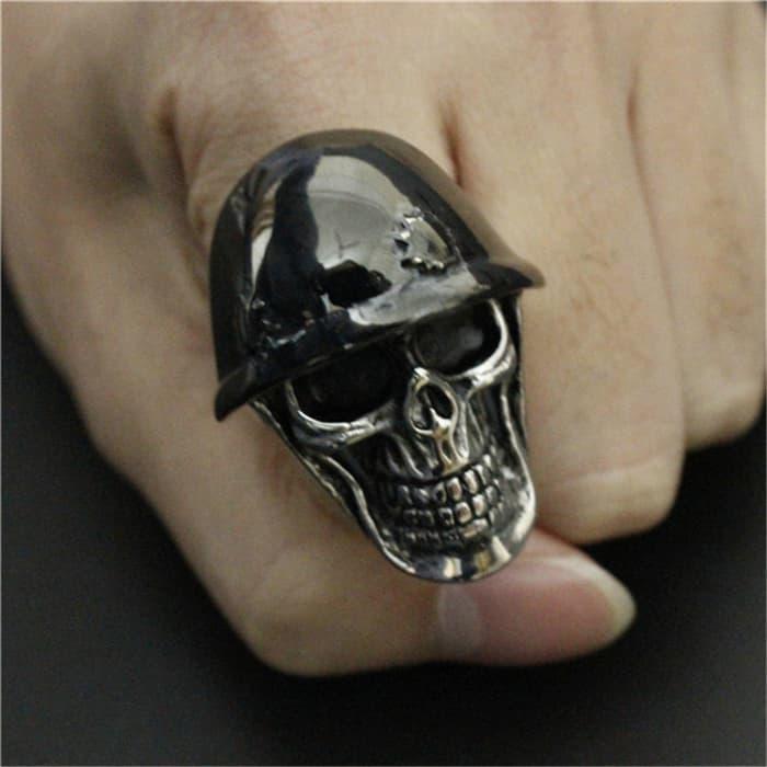 NEW PROMO Cincin Tengkorak Titanium Ring Biker Jewelry Army Ring Black Helmet