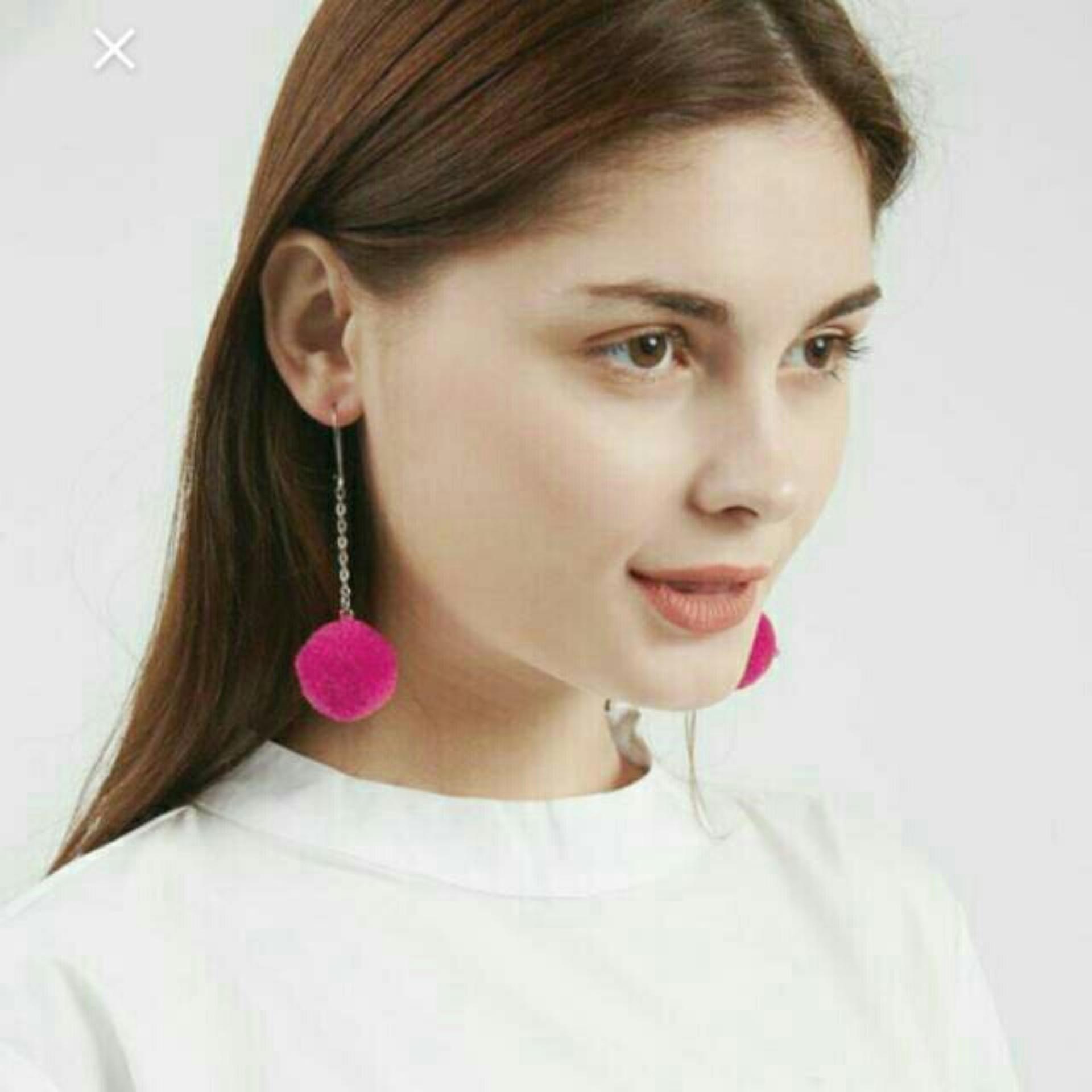 Anting Earring Pompom Mini 2cm