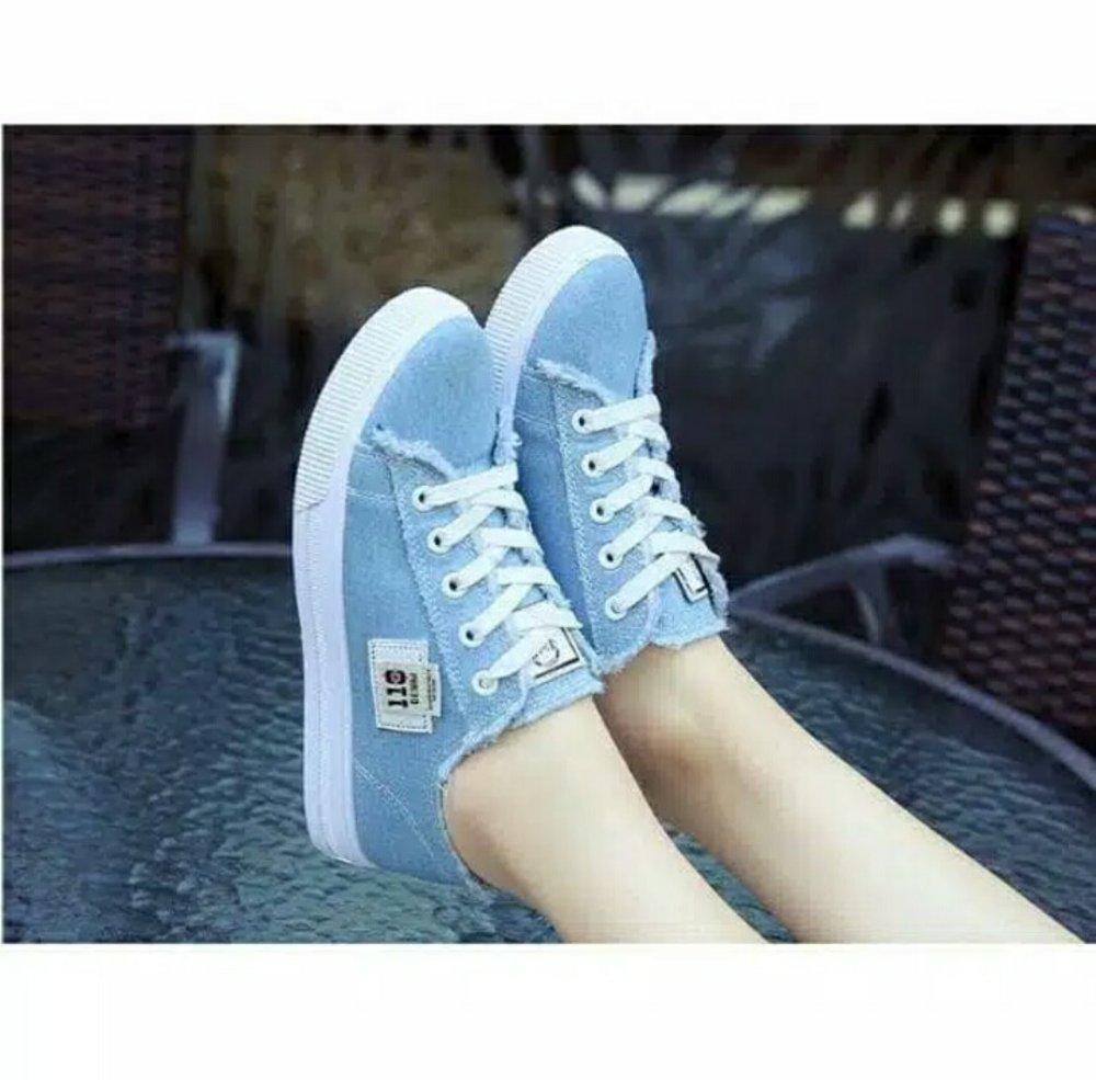 Sepatu Kets Sneaker DC - Sepatu Santai - Sepatu Kuliah Biru Hitam