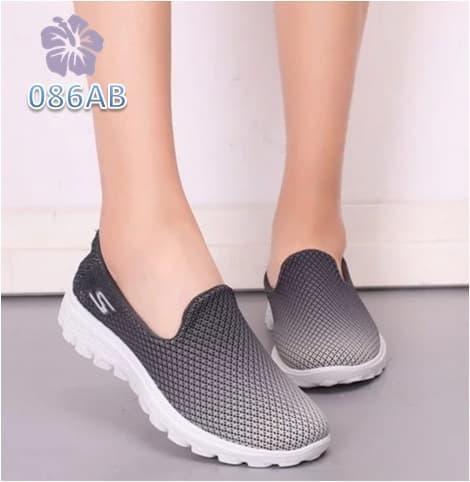 SEPATU KETS FAHIN JOICE TOSCA Shopee Indonesia Source · Diamond Store Sepatu  Kets Wanita Slip On Gradation Warna Abu dan Merah Sepatu Sneakers d8f710bdf9