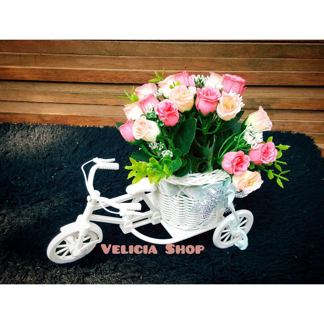 Bunga Pajangan - Bunga Hias Plastik - Bunga Rose -Tanaman artifisial Pot  Sepeda Medium FFL8238 ad72800985
