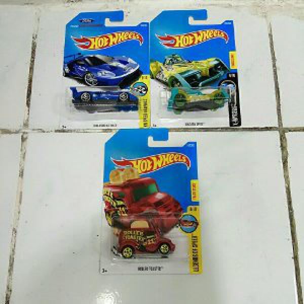 Paket DieCast HotWheels Roller Toaster - Voltage Spike - 2016 Ford GT Race