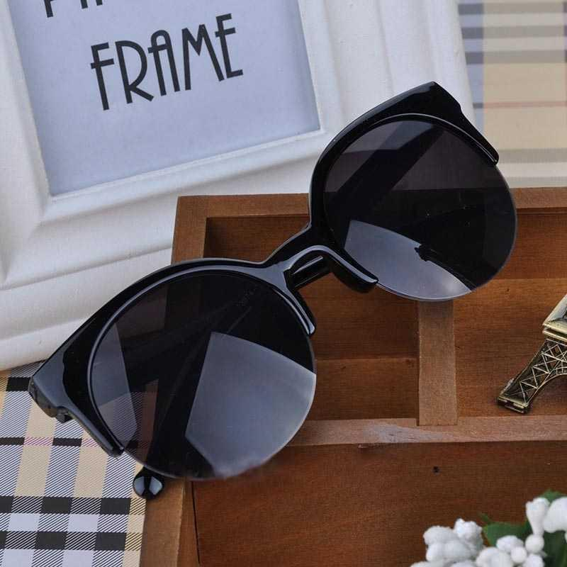 Vienna Linz Kacamata Wanita Vintage Cat Eye Sunglasses Outdoor Uv Protection Ladies Women Fashion Accessories Girl Eyewear Hangout Jalan Santai Glasses Kaca Mata Stylish Trendy Elegan Anti Debu Kotoran Eye Protection S8933 - Black By Vienna Linz.
