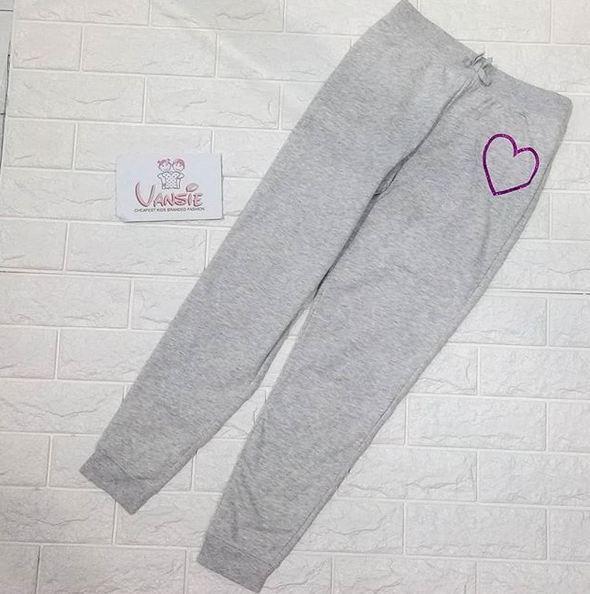 baju bawahan celana joger kaos anak branded bahan kaos tebal hangat untuk anak motif love with blinkblink
